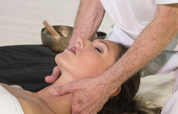 Massaggio-rilassante-con-Olii-ess.-50-abb.-3