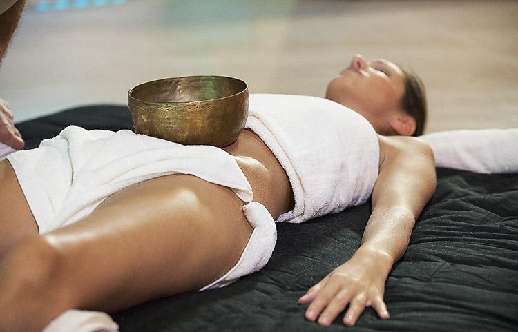 Massaggio_rilassante_con_Olii_ess._25_abb._3