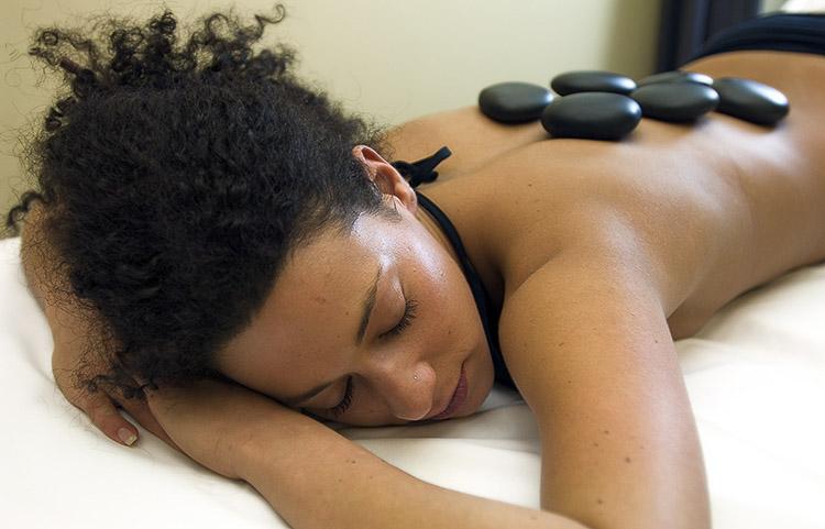 Massaggio_rilassante_con_Olii_ess._50_